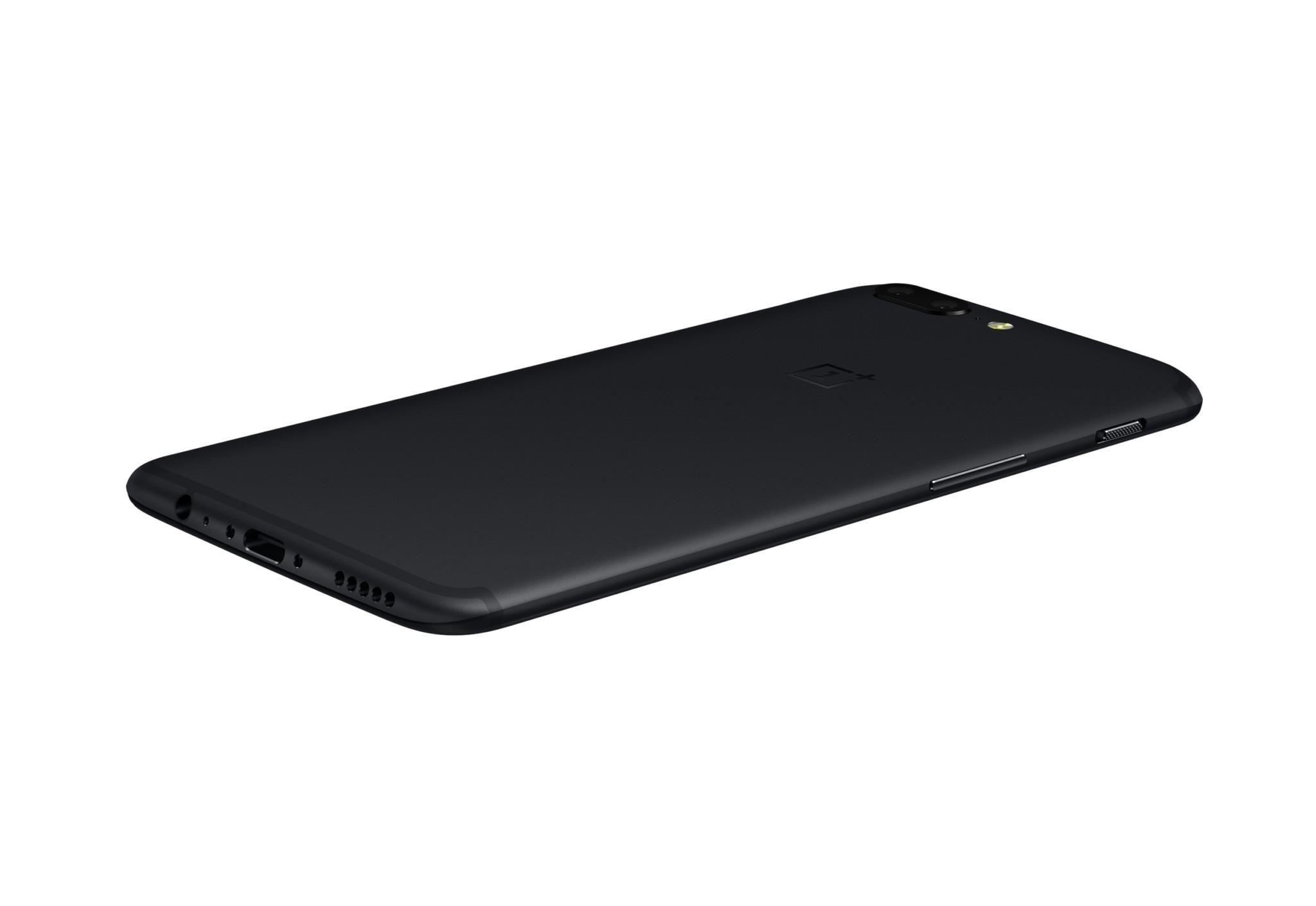 The OnePlus5 back Never Settle design