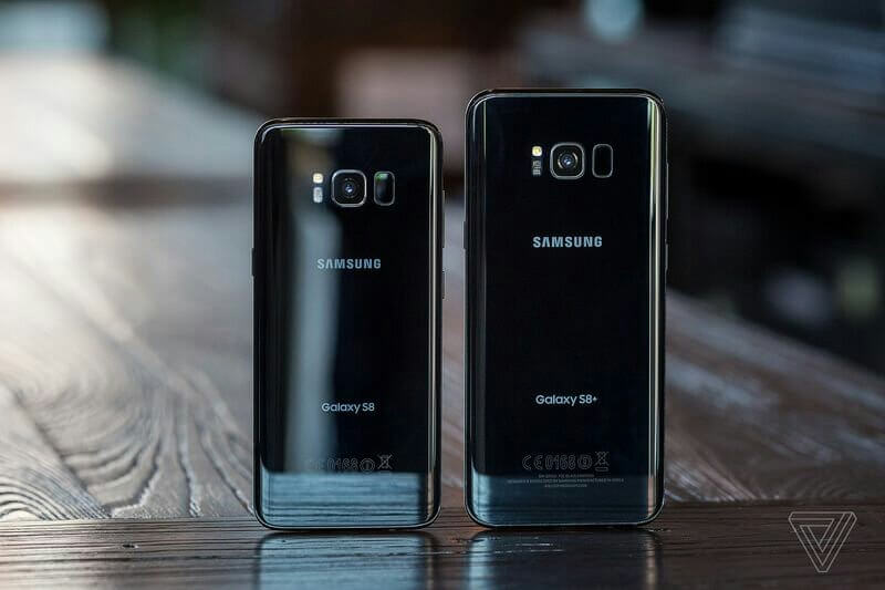 Samsung Galaxy S8 and Galaxy S8 Plus doesn't have dual-cameras.