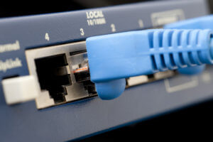Difference between ethernet splitter switch and hub